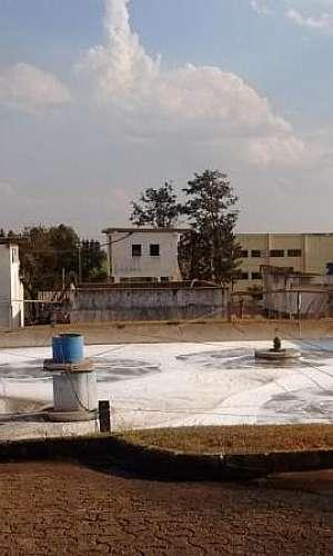 Estação de tratamento de efluentes químicos