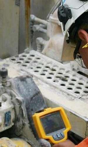 Manutenção corretiva em máquinas industriais