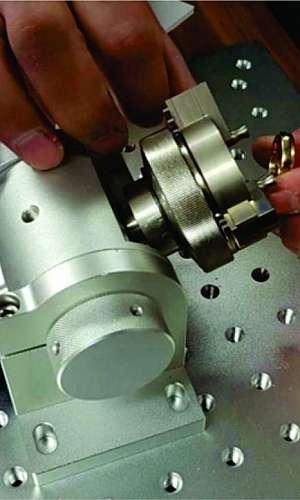 Manutenção máquina de gravação a laser