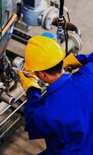 Manutenção preventiva em máquinas industriais
