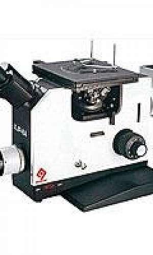 Microscópio metalográfico