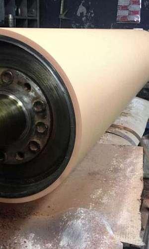 Serviço de retifica de cilindro em metalúrgicas