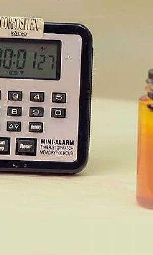 Teste de produtos corrosivo